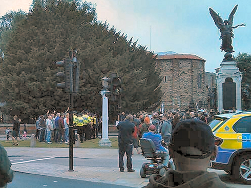 "Colchester: EDL perform nazi salutes infront of the war memorial in ""honour"" of Lee Rigby"