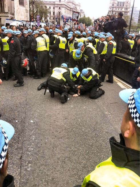 Police snatch squads protecting BNP, arresting Anti-Fascists in London