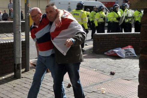 image-2-for-edl-in-walsall-protests-by-the-english-defence-league-gallery-840371998-217789