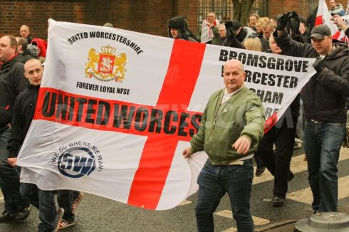 1423385206-english-defence-league-protest-in-dudley-uk_6838820