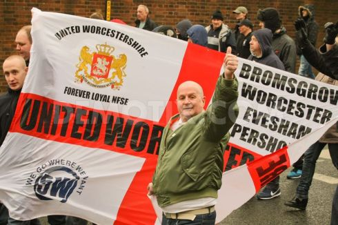 1423385208-english-defence-league-protest-in-dudley-uk_6838829